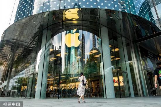 ▲资料图片:一家位于上海的苹果商店。