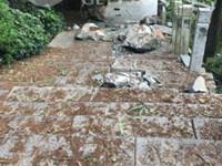 落石非首次 潮湿天气或是主因