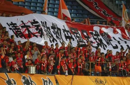 中国足球征服不了巴西,中国足球游戏可以
