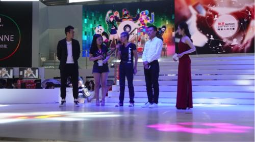 CJ现场发布图片-2016CJ 舞力全开 活力派 中国首秀