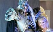 国外辣妈打造《魔兽世界》巫妖王装备 竟被网友追问单身否!