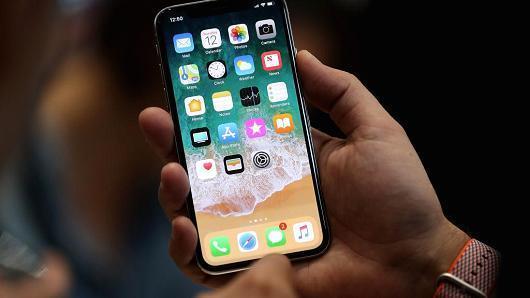 史上最大iPhone 彭博:传苹果将发布6.5英寸屏手机