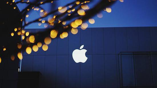 苹果2018财年Q1营收883亿美元 售出7731.6万部iPhone