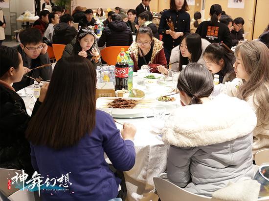 本次活动共有近50名玩家参与,会后大家一起聚餐讨论