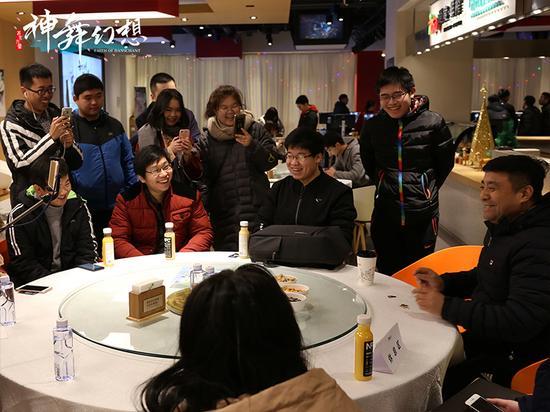 网元圣唐CEO亲到现场,与玩家们亲密交流