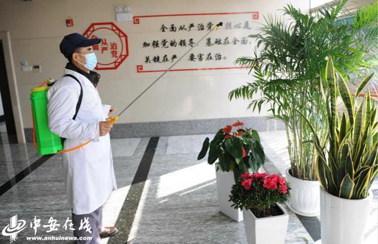 办公区公共场所消毒不留卫生死角。