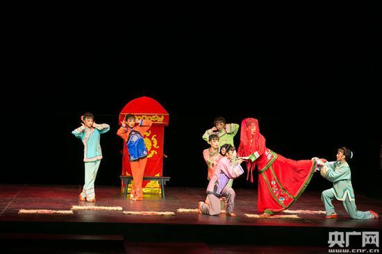 韩再芬表演黄梅戏《徽州女人》