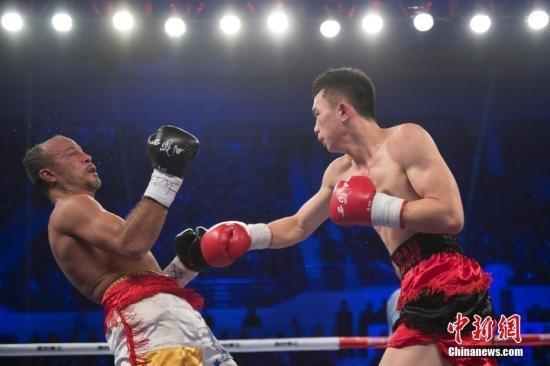 资料图:徐灿TKO委内瑞拉拳手尼霍玛·瑟米诺。 中新社记者 韦亮 摄
