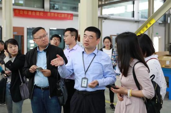 媒体采访合肥泰禾光电公司王成应