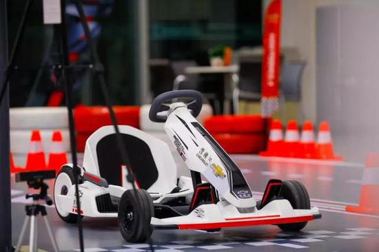 这里的五条迷你复刻版F1五大赛道