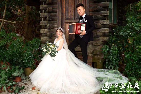 安医大附属阜阳医院95后护士刘晓雷和未婚夫