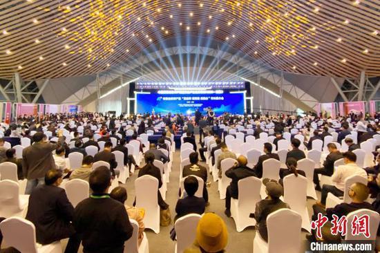 """10月15日,安徽名优农产品""""塑品牌、建渠道、促融合""""市长推介会在合肥举行。 张强 摄"""
