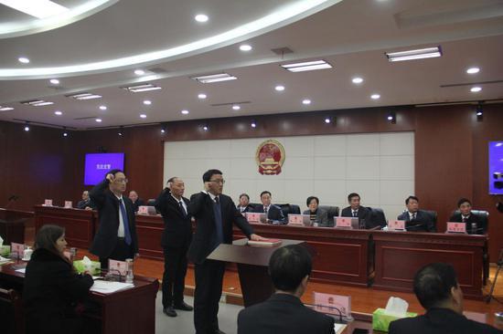市监察委员会负责同志及市人大常委会各工作机构和综合办事机构负责同志列席会议