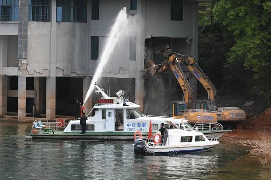 黄山拆除太平湖周边三处违建项目