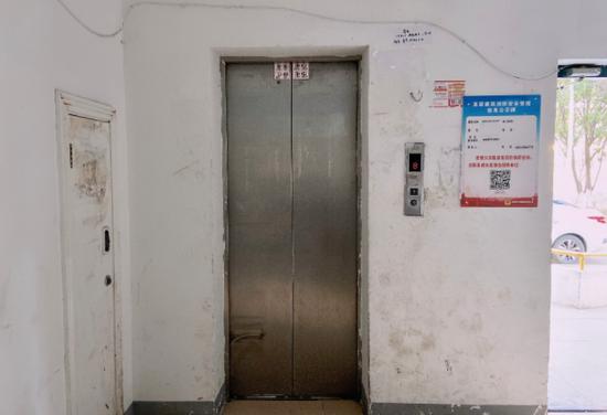合肥一小区一电梯已用17年 频频出故障业主快崩溃