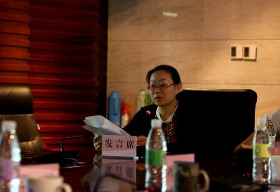 安徽省商务厅开发区处副处长苏雁讲解安排开发区考评工作