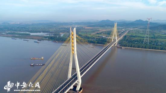 池州长江公路大桥(宋凯丽 摄)