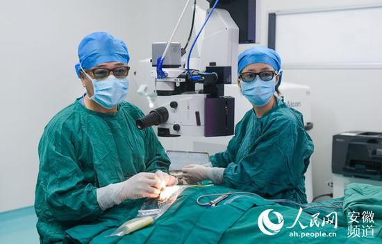 白内障PanOptix三焦点人工晶状体植入手术