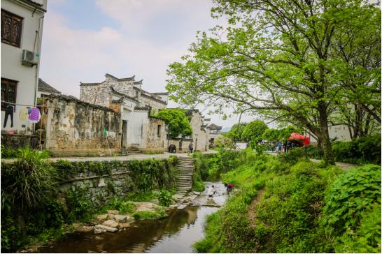 泾县查济居民日常生活(图源:安徽省文化和旅游厅)
