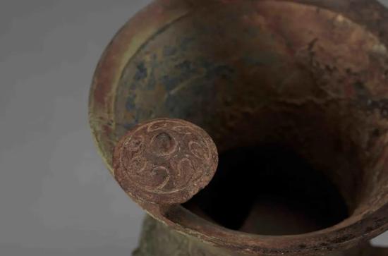 饕餮纹斝(图源:铜陵市博物馆公众号)