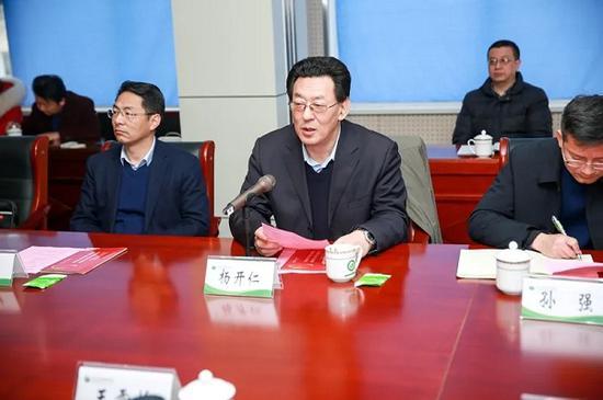 合肥八中杨开仁校长介绍办学情况