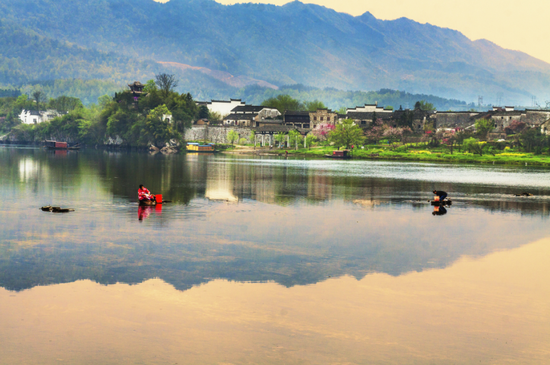 泾县桃花潭景区(图源:安徽省文化和旅游厅)