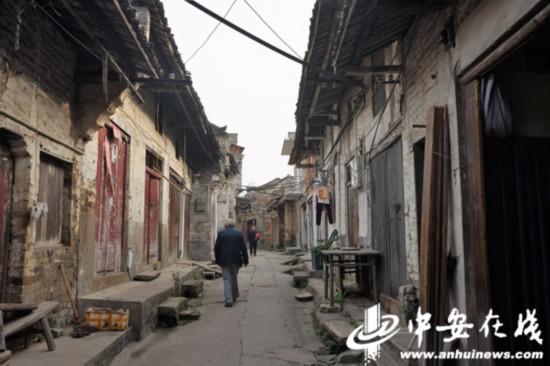昔日繁华的黄泥老街,还保留着当年的建筑风格