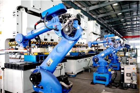 金鸿盛电气机器换人生产车间
