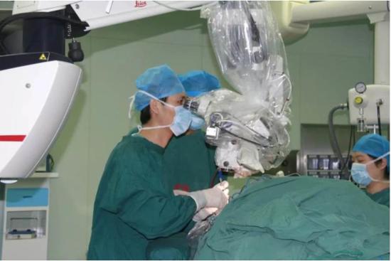 颅底手术现场