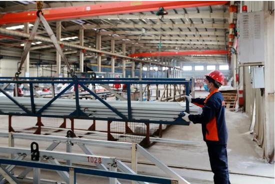 铝产业集群化发展促转型升级万善朝摄