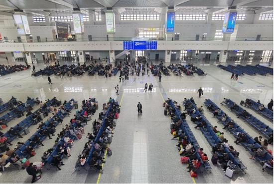 图示:清明假期阜阳西站