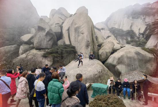 大年初一天柱山接待游客1.28万人次 创近三年之最