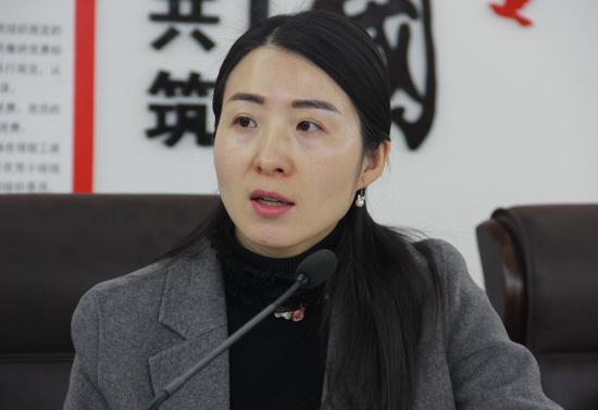媒体采访濉溪开发区铝产业办公室主任王路