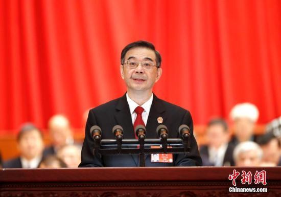 3月12日,十三届全国人大二次会议在北京人民大会堂举行第三次全体会议。最高人民法院院长周强作最高人民法院工作报告。中新社记者 刘震 摄