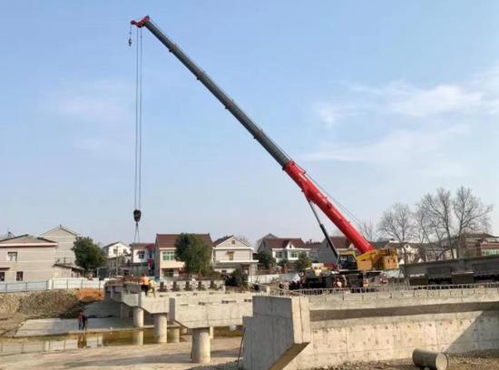 怀宁:怀宁县石牌庆洲河桥T梁架设完成