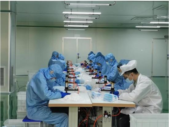锦瑞汽车零部件公司生产防疫物资