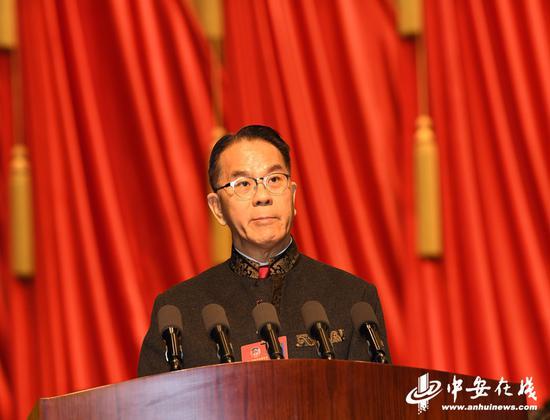 周伯展委员代表香港地区全体委员