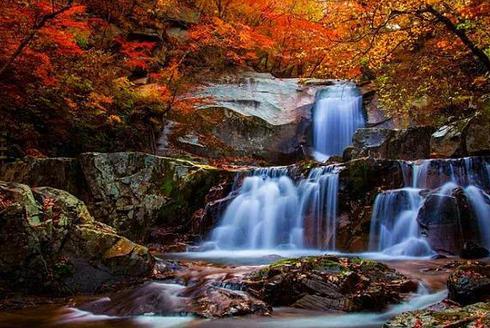 赏天堂寨让人痴迷的秋景