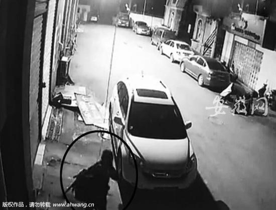芜湖一视频行窃碟中谍录制穿模仿紧身衣索降iphone夜行尺寸盗贼图片