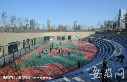 篮球场有可能一直对市民免费开放。