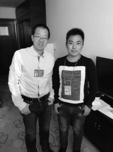 俞敏洪(左)