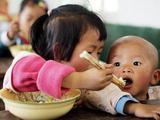 """合肥困难学生享""""免费午餐"""" 190名中小学受益"""