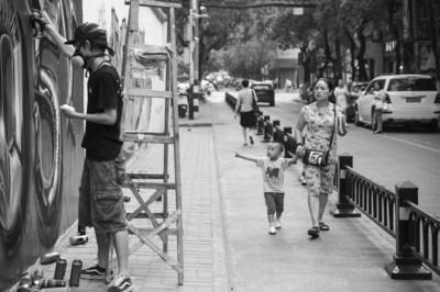 """合肥红星路涂鸦墙再度回归 城市管理中的""""特区"""""""