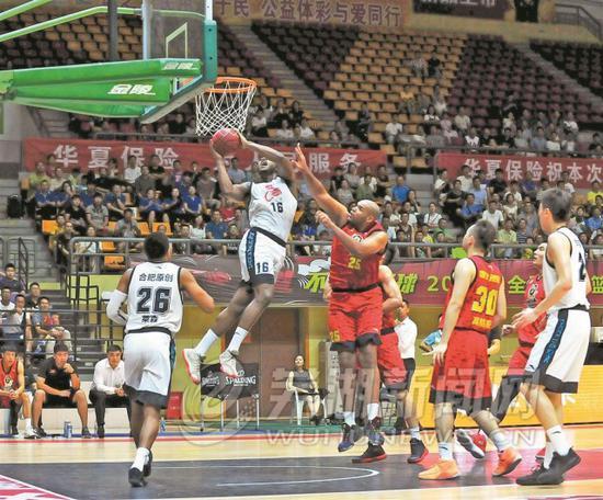 2018NBL全国男子篮球联赛(芜湖站)战况激烈