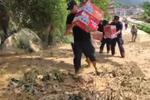 """安徽宁国特警挺进""""失联区"""":一个群众都不能落下!"""