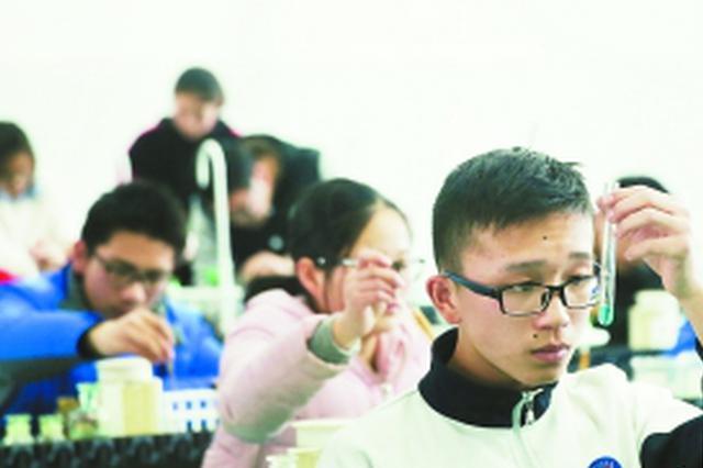 合肥中考理科实验操作考试平稳有序进行