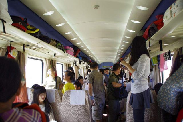 5月1日起特定严重失信人将限制乘坐火车