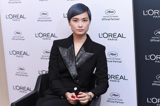 李宇春:我的智力退化了 居然接不住玉米的梗了