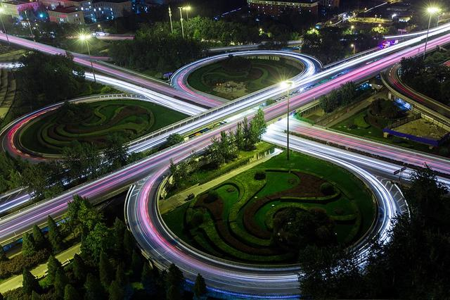 淮南凤台优化道路环境方便群众出行
