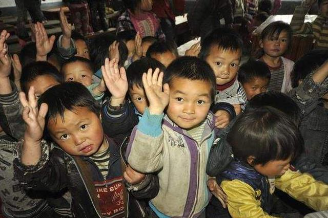 86岁老中医捐资近40万 帮130余位失学儿童重返课堂